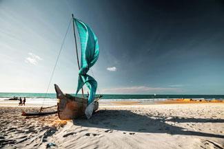 Madagaskar Morondava miasteczko portowe plaża wakacje wycieczki wczasy