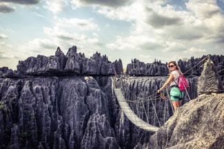 Tsingy de Bemaraha Madagaskar wakacje wycieczki egzotyczna podroz najpiekniejsze ciekawe miejsca