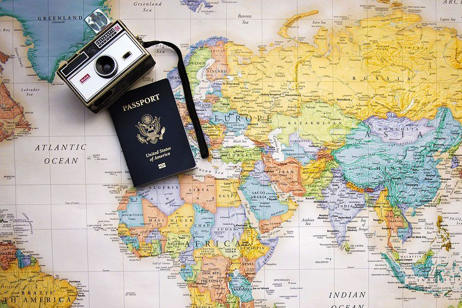 Bezpieczne egzotyczne wakacje, szczepienia, ubezpieczenia, feel the travel